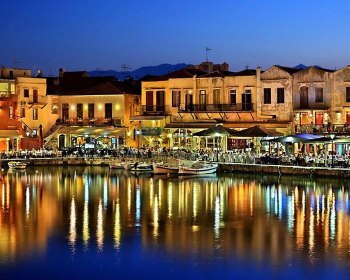 chania-old-venetian-harbour. - Yallabook