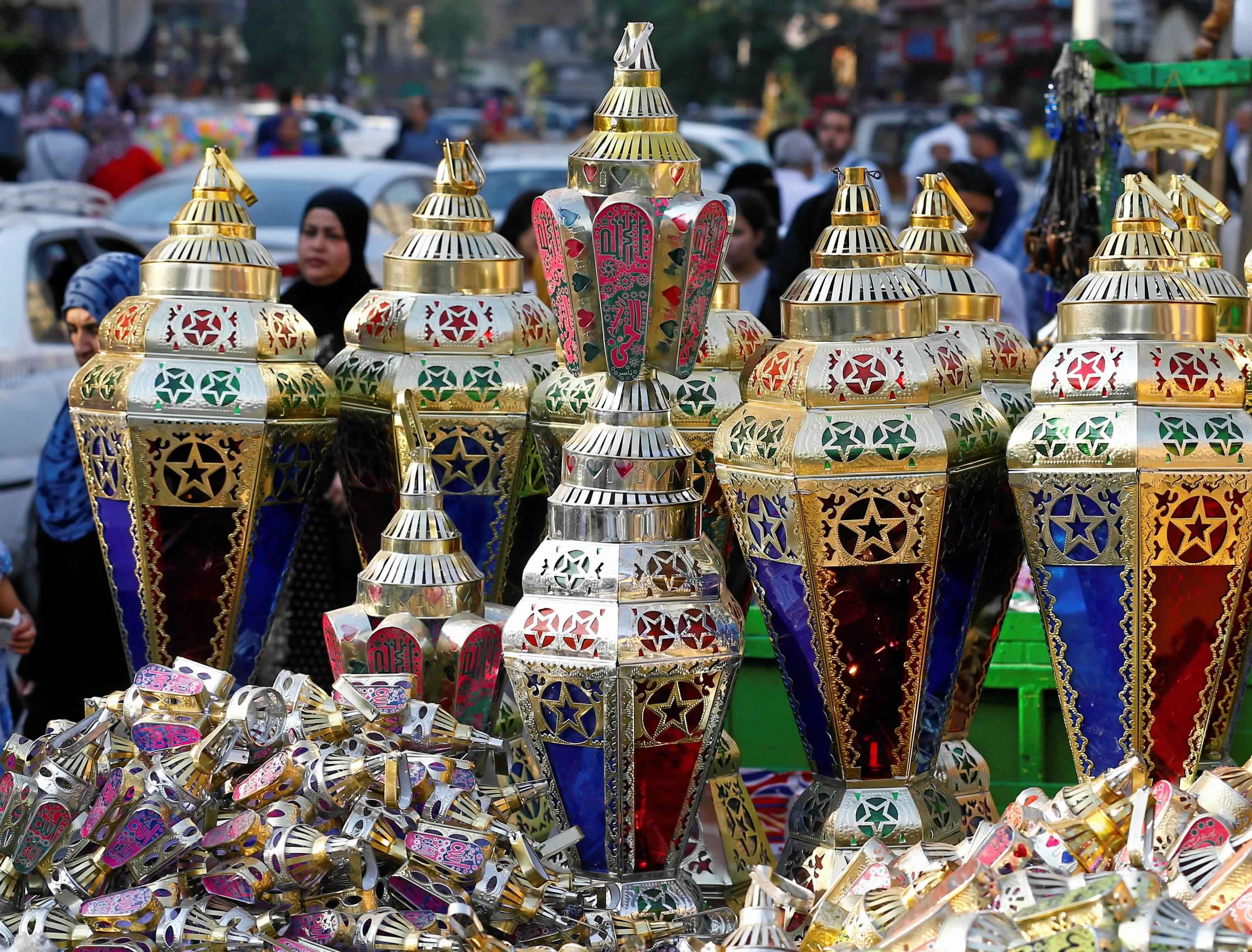 فوانيس شهر رمضان والزينة منين تشتري الأجمل والأرخص وتستمتع بفن بجد 2354125-فوانيس-رمضان