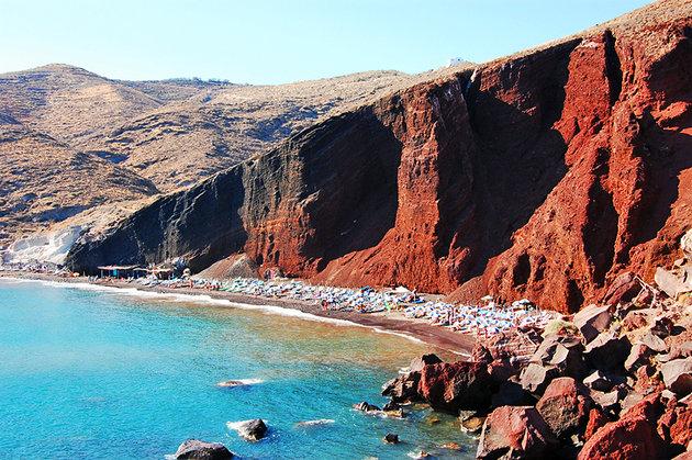 [صورة مرفقة: greece-santorini-akrotiri-red-beach%20%20%20%204.jpg]